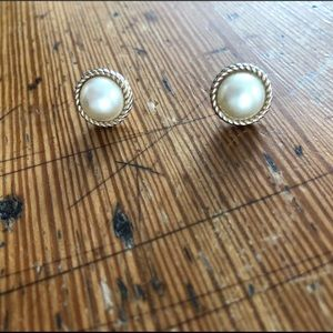 Kate Spade pearl and gold earrings
